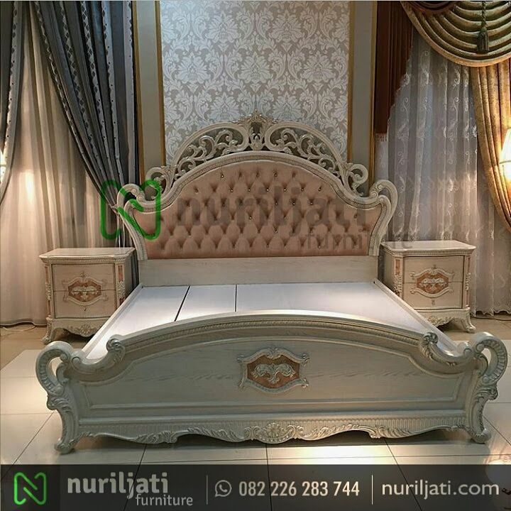 Gambar Set Tempat Tidur Ukir Mewah Salina
