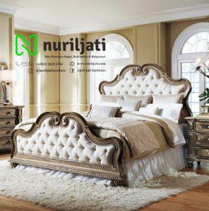 Tempat Tidur Ukir Jati Model Klasik 030