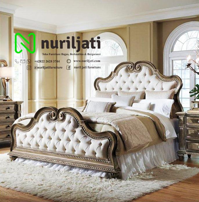 Jual Tempat Tidur Ukir Jati Model Klasik 030