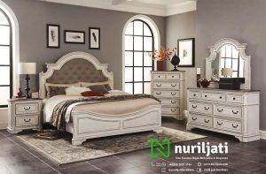 Set Ranjang Tidur Klasik Model Minimalis