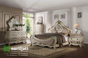 Set Tempat Tidur 01 Ukir Putih Klasik